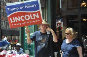 """""""Trump ou Clinton: Lincoln se retourne dans sa tombe"""" ©Stéphane Bussard"""