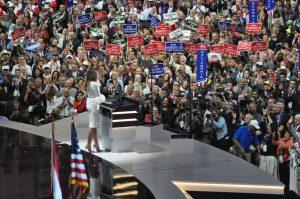 Melania Trump entre en scène ©Stéphane Bussard