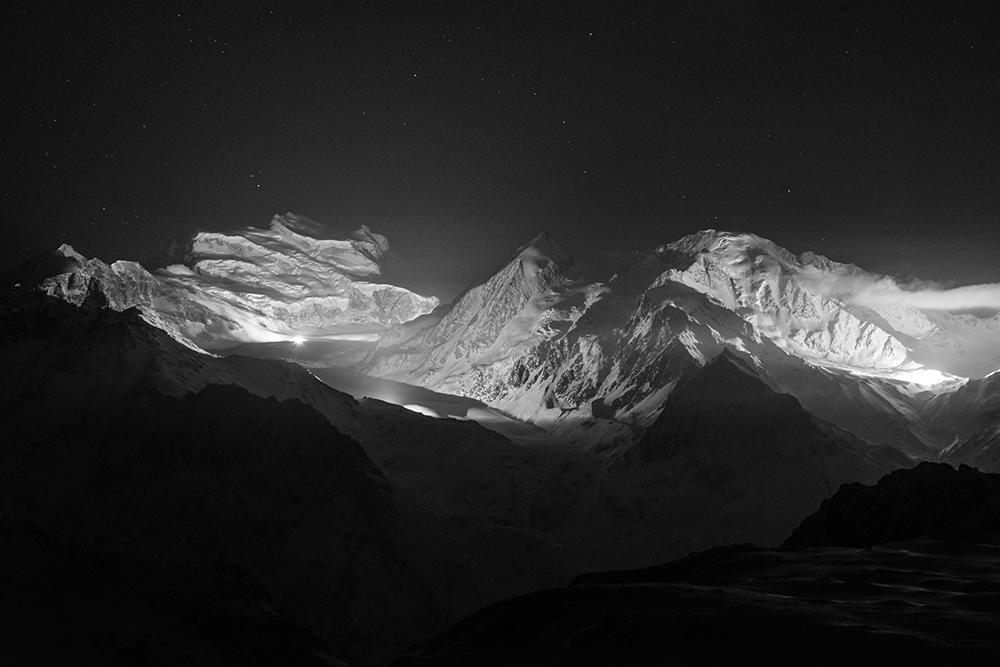 Illumination nocturne du massif des Combins dans le cadre du bicentenaire de l'entrée du Valais dans la Confédération Suisse