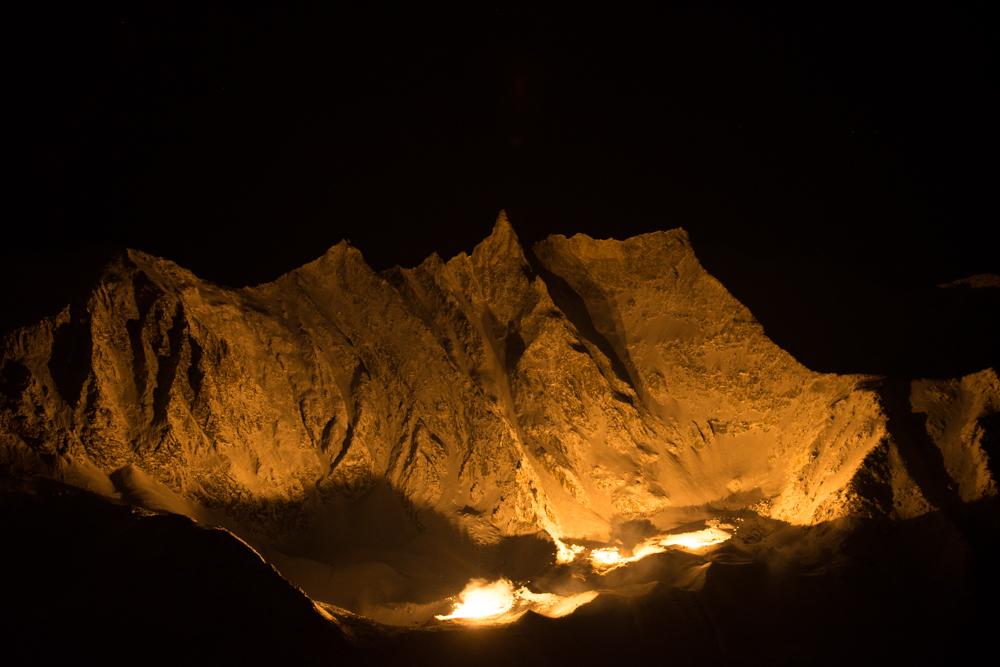 Tests d'illumination du massif de la Tsa dans le cadre du projet 13 étoiles au sommet