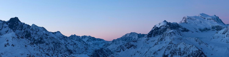 Montagnes éclairées