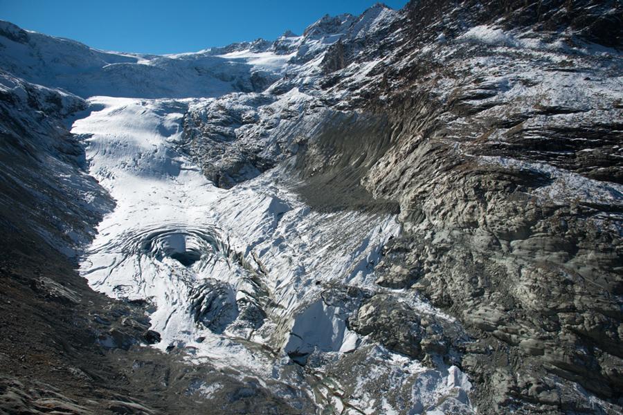 La langue du glacier de Ferpècle s'est effondrée en un tour géant