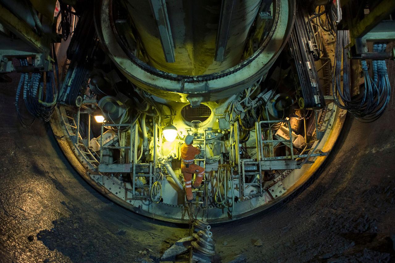 Le tunnelier dans les galeries du chantier hydroélectrique de Dant de Dance le 11 juillet 2012. centrale des barrage d'Emosson (PHOTO-GENIC.CH/ OLIVIER MAIRE)