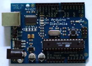 L'Arduino est une conception populaire et précoce de matériel à source ouverte. (Wikipédia)