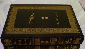 Photo d'un livre de code éthique