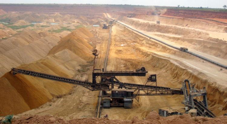 Exploitation minière de phosphates au Togo (Alexandra Pugachevsky).