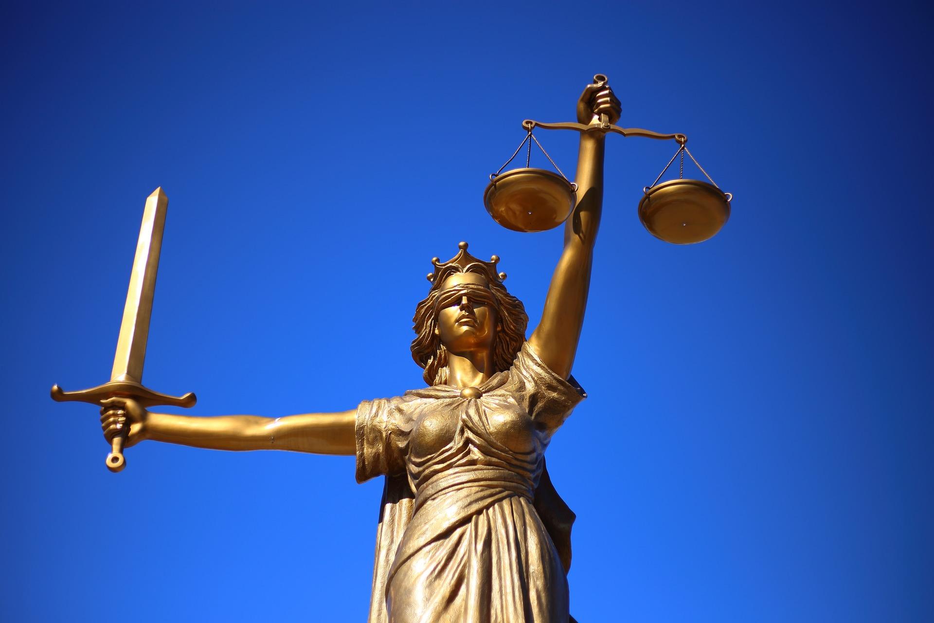Nos polices ont besoin de juges étrangers !