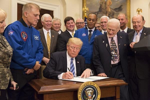 La nouvelle politique spatiale américaine : déception et poudre aux yeux
