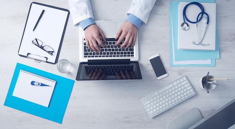 Envoyer les rapports médicaux aux patients plutôt qu'aux médecins ?