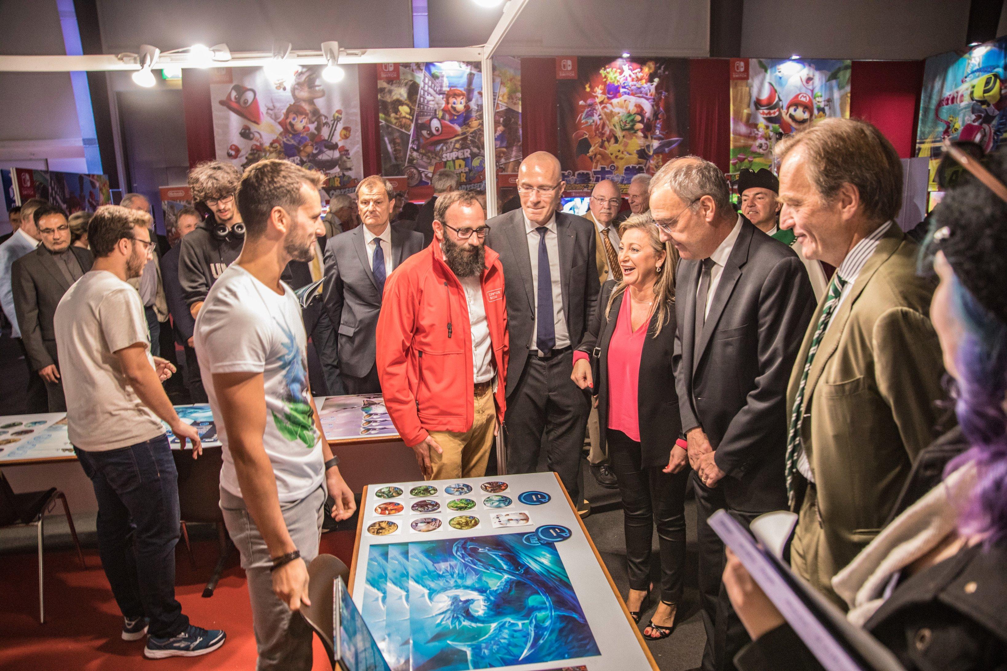 Guy Parmelin à l'honneur du lancement officiel du jeu vidéo suisse Opticale