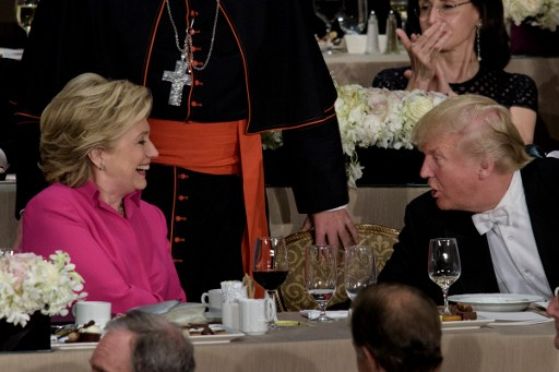 Blagues très grinçantes entre Trump et Clinton au traditionnel Al Smith Dinner