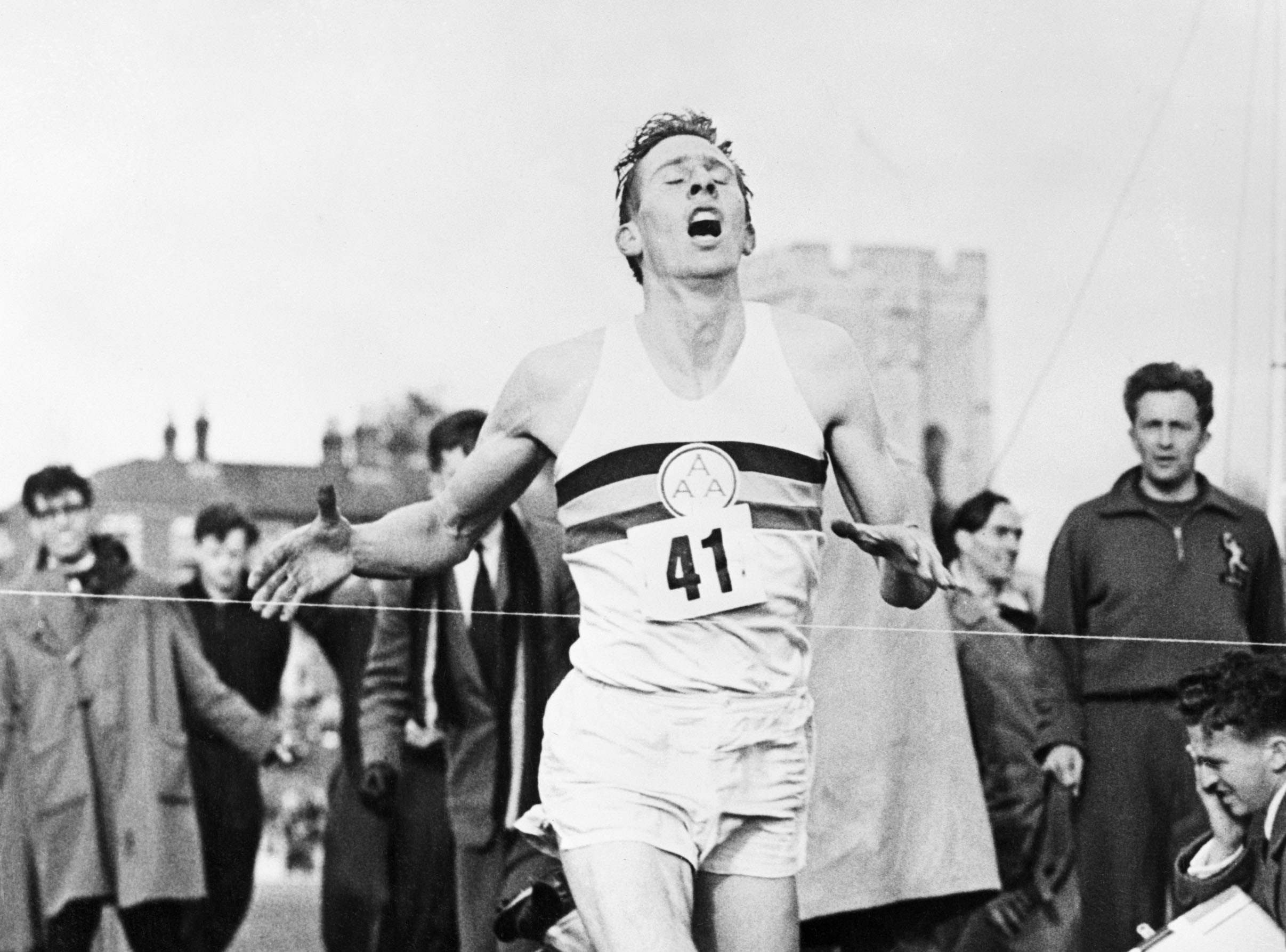 RIP Sir Roger Bannister. 4 petites minutes en sa mémoire !